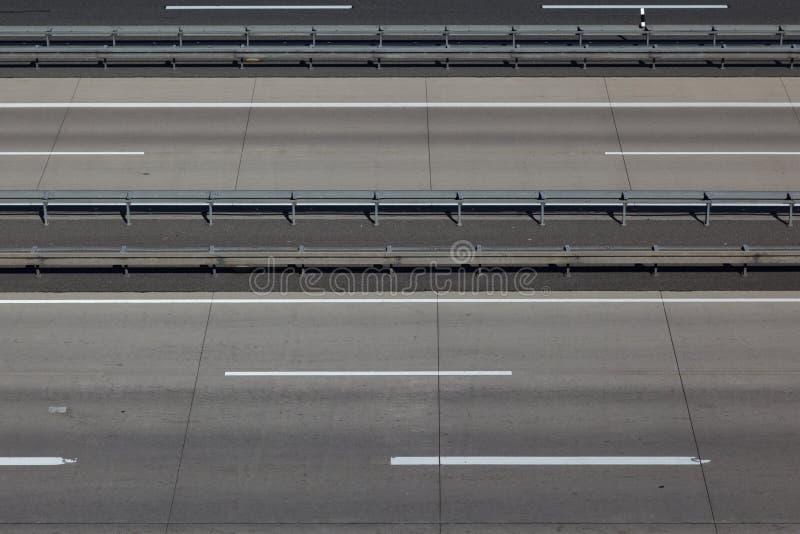 Carriles vacíos de la carretera fotos de archivo