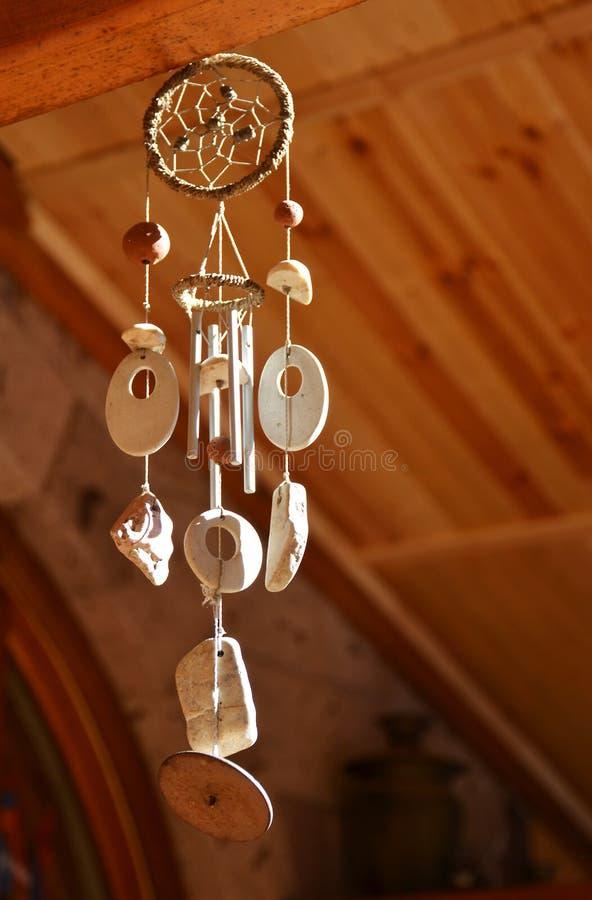Carrilhões de vento de madeira fotografia de stock royalty free