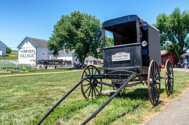 Carrinho de Amish no Condado de Lancaster, PA, EUA imagem de stock royalty free