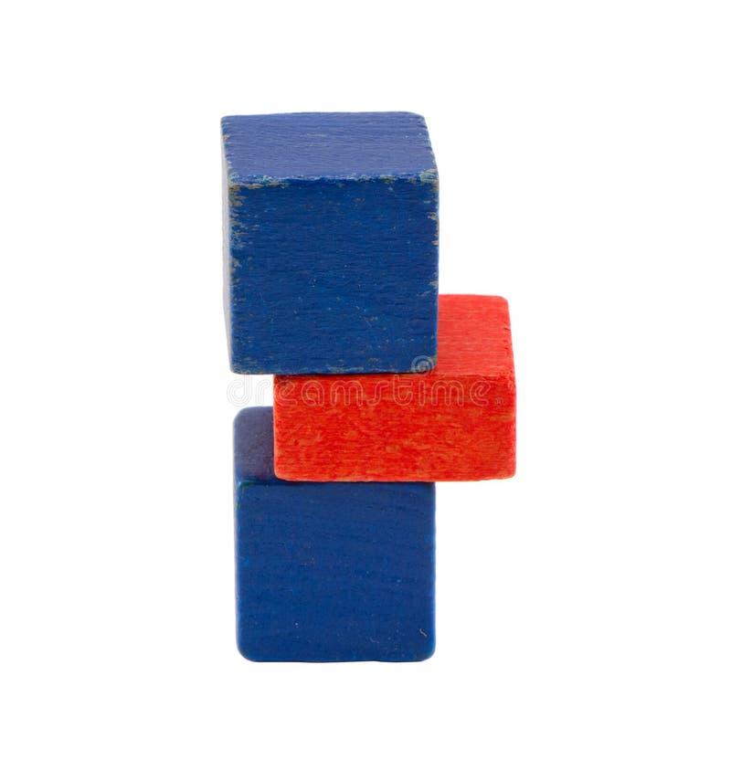 Carrinho do registro do brinquedo da cor de azul vermelho isolado no branco imagens de stock royalty free