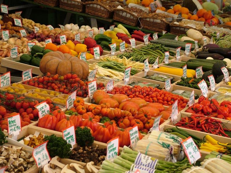 Carrinho vegetal fotografia de stock royalty free