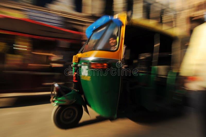 Carrito auto móvil, Delhi vieja, la India foto de archivo libre de regalías