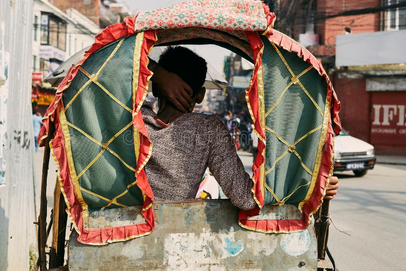 Carrito nepalés tradicional imagenes de archivo