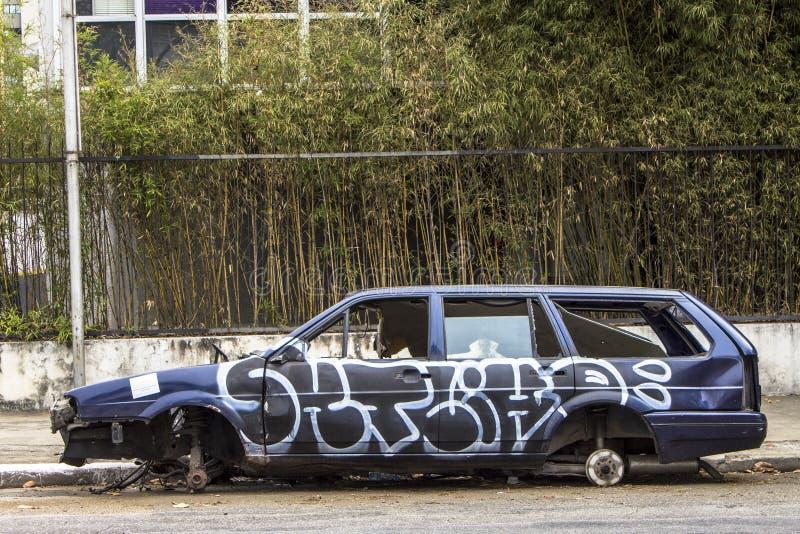 Carro abandonado fotografia de stock