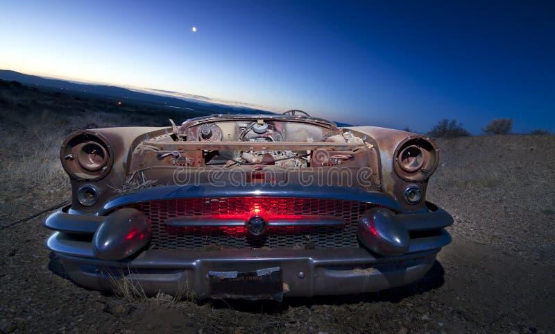 Carro abandonado colorido da sucata fotos de stock royalty free