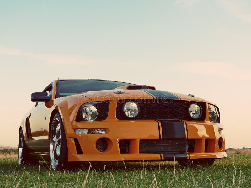 Carro alaranjado americano do músculo imagem de stock royalty free