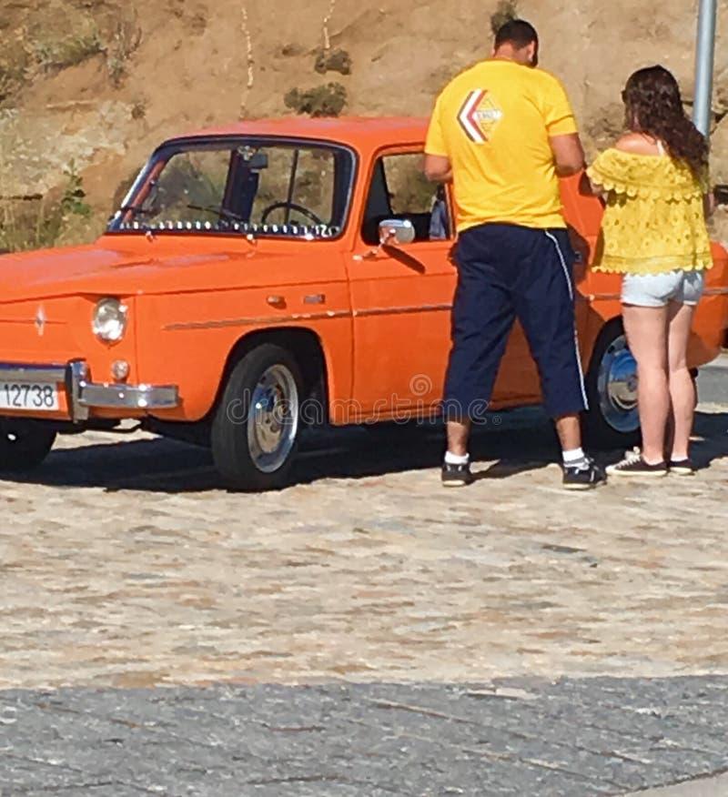 Carro alaranjado em Avila, Espanha fotos de stock royalty free