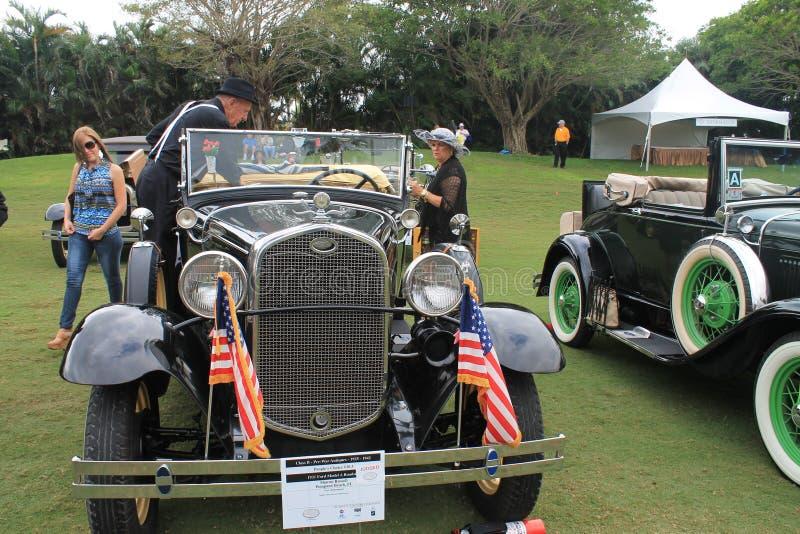 Carro americano antigo no evento fotos de stock royalty free