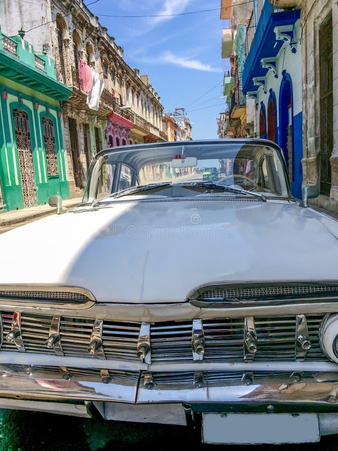 Carro americano clássico do vintage em Havana, Cuba imagem de stock royalty free