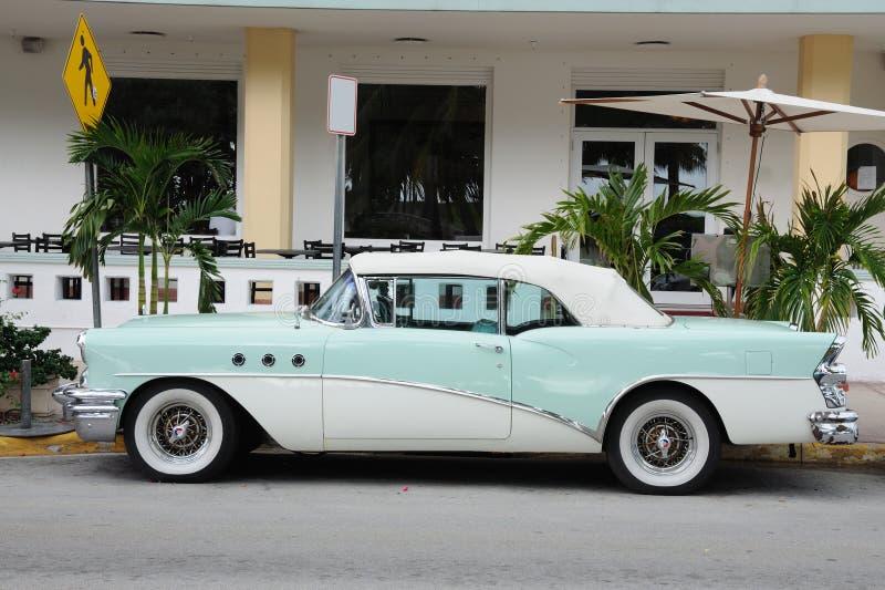 Carro antigo em Miami Beach imagens de stock royalty free