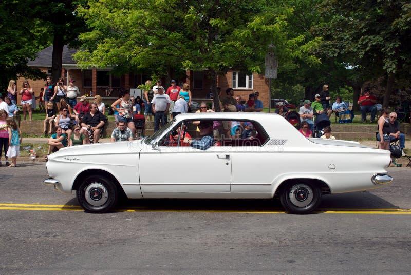 Carro antigo na parada fotografia de stock royalty free
