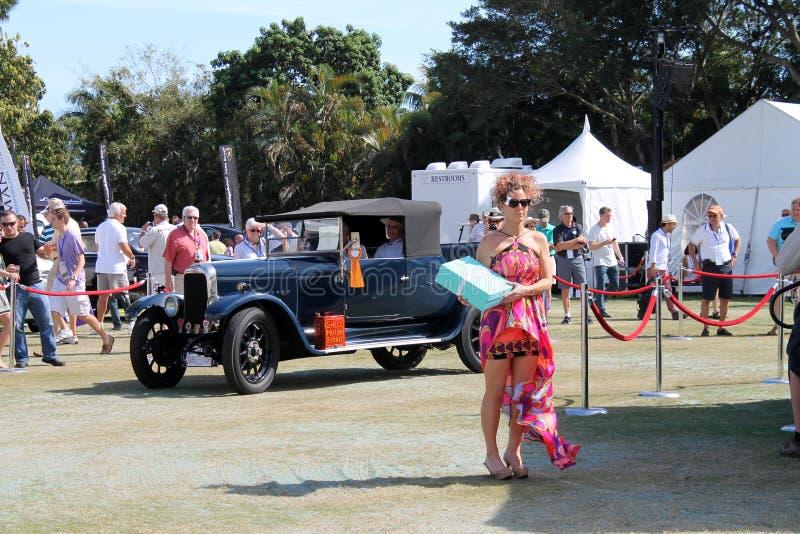 Carro antigo velho conduzido imagem de stock royalty free