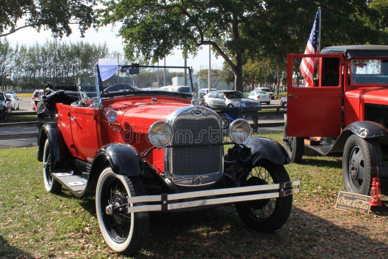 Carro antigo vermelho de Ford Model A fotos de stock