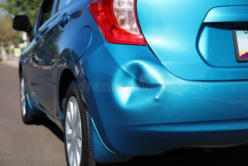 Carro após um acidente imagens de stock