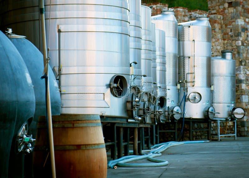 Carro armato del vino in Castello di Amorosa di Napa Valley, California immagini stock