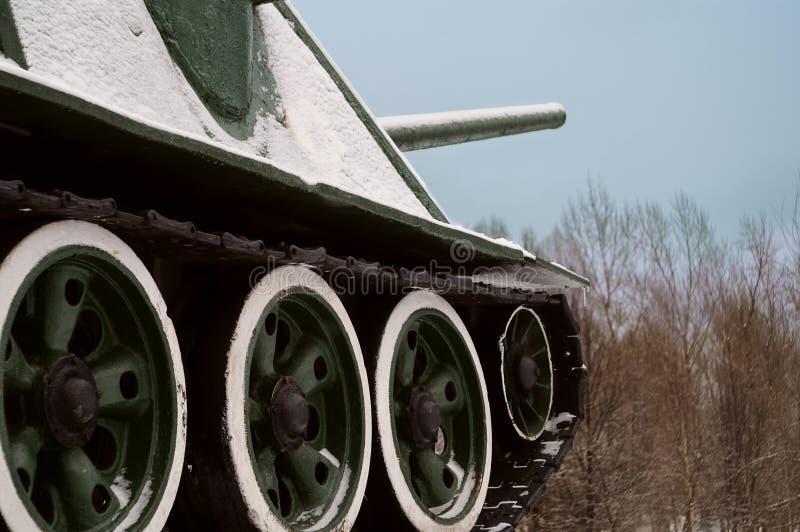 Carro armato in neve