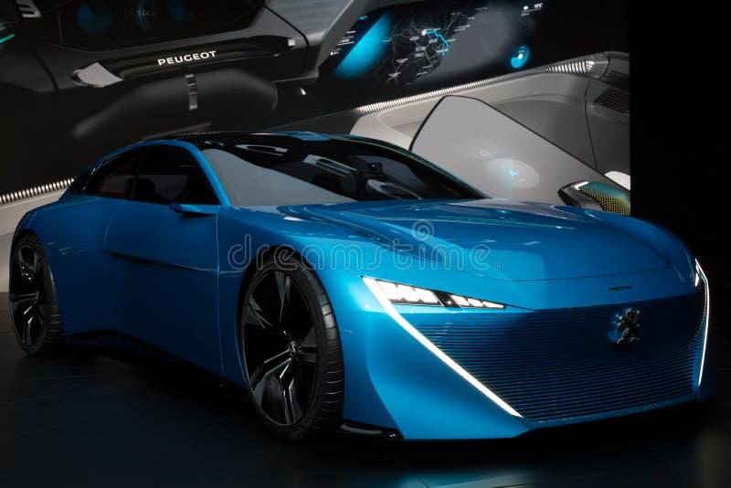 Carro autônomo do conceito do instinto de Peugeot fotos de stock