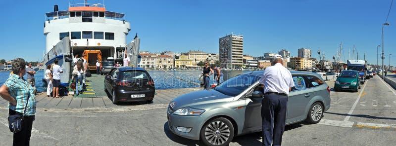Download Carro-barco imagem de stock editorial. Imagem de cena - 16860184