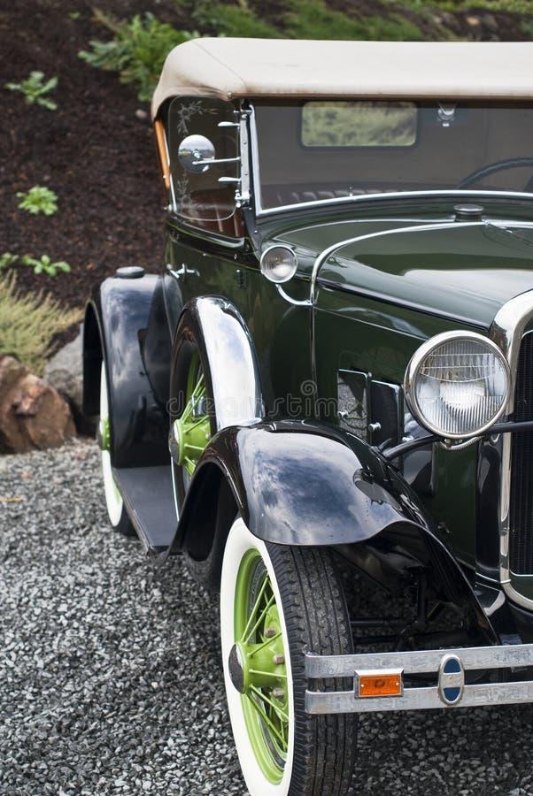 Carro belamente restaurado dos anos 30 imagens de stock