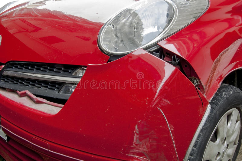 Carro causado um crash imagens de stock