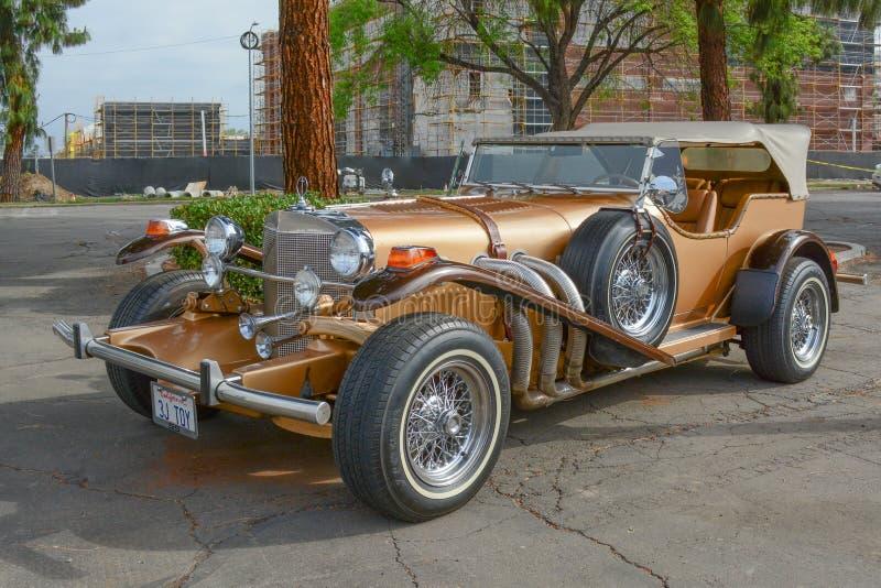Carro clássico do Phaeton do LA de Duesenberg SJ na exposição foto de stock