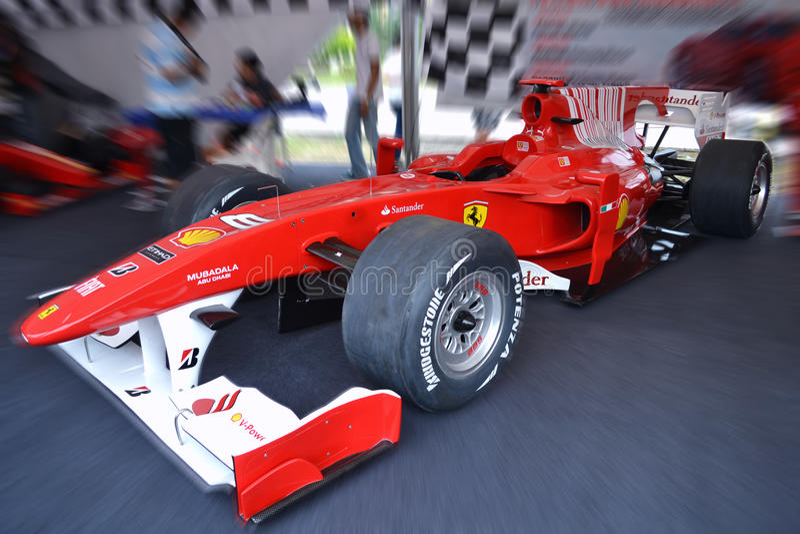 Carro da fórmula 1 de Ferrari foto de stock