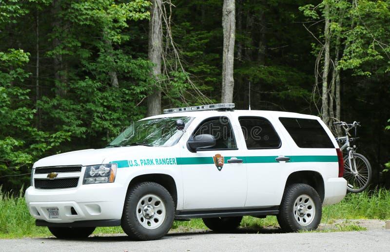Carro da guarda florestal de parque dos E.U. no parque nacional do Arcadia no porto da barra, Maine fotografia de stock royalty free