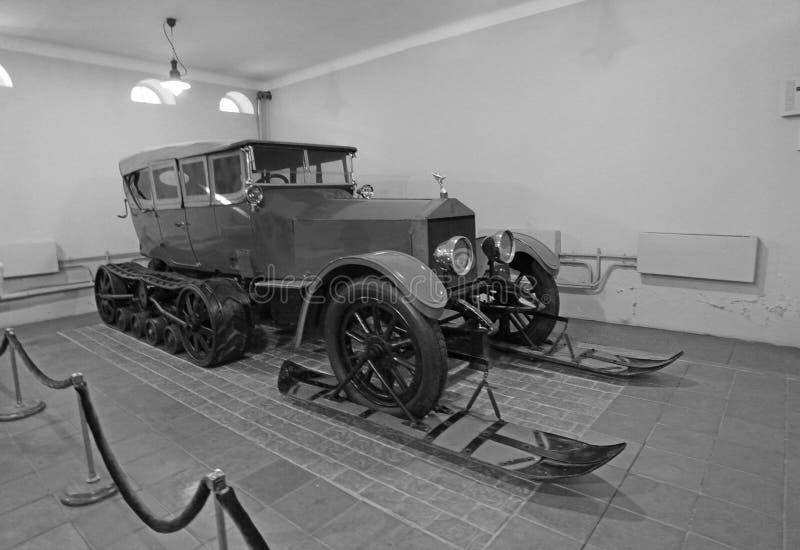 Carro da Rolls royce de Vladimir Lenin para o inverno no museu da propriedade de Gorki, região de Moscou imagens de stock royalty free