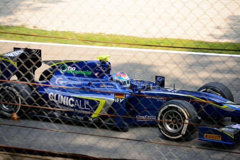 Carro da série GP2 conduzido por Marvin Kirchhöfer foto de stock