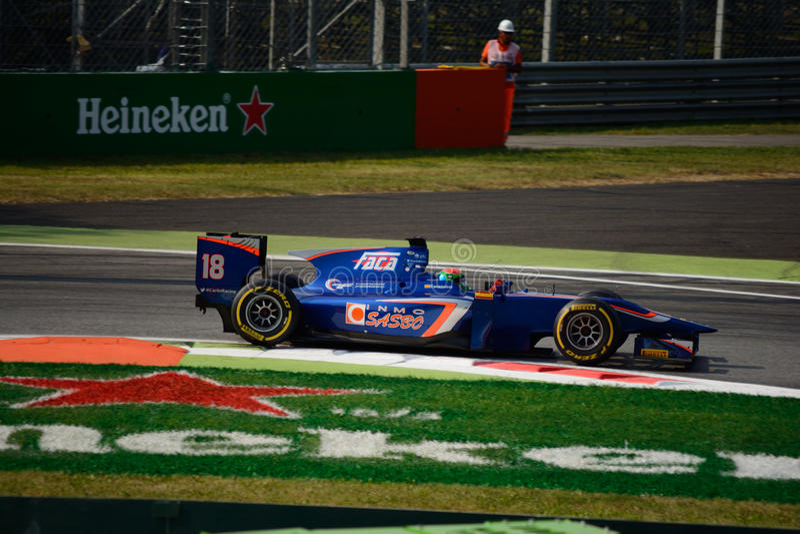 Carro da série GP2 conduzido por Sergio Canamasas foto de stock royalty free