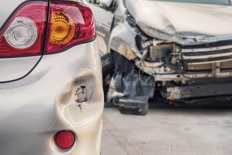 Carro danificado após o acidente fotos de stock royalty free