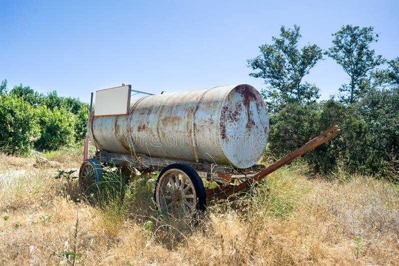 Carro de agua antiguo fotografía de archivo libre de regalías