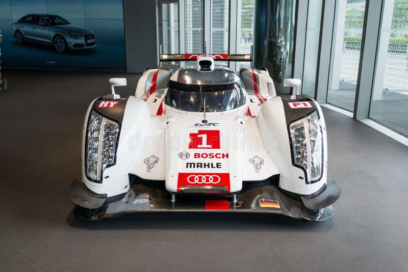 Carro de Audi R18 Le Mans imagem de stock royalty free