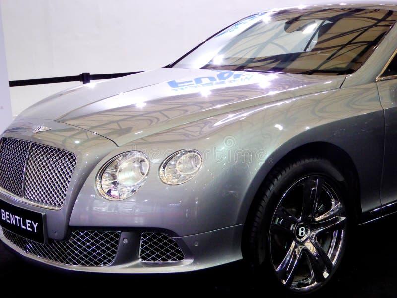 Carro de Bentley na feira automóvel fotos de stock