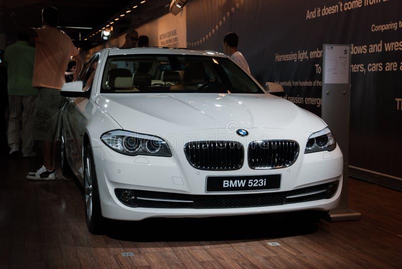 Carro de BMW 523i apresentado na exposição automóvel de Telavive foto de stock