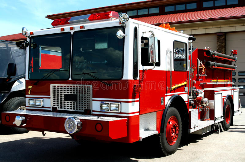 Download Carro de bombeiros foto de stock. Imagem de resistido - 12808546