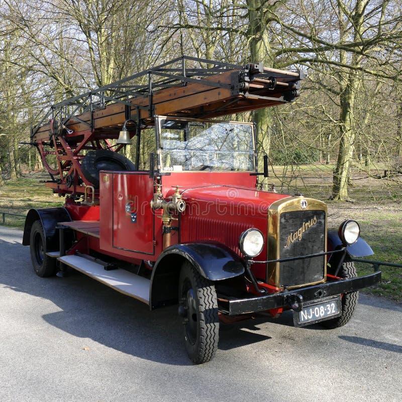 Carro de bombeiros velho do temporizador de Magirus do departamento dos bombeiros em Wassenaar foto de stock royalty free