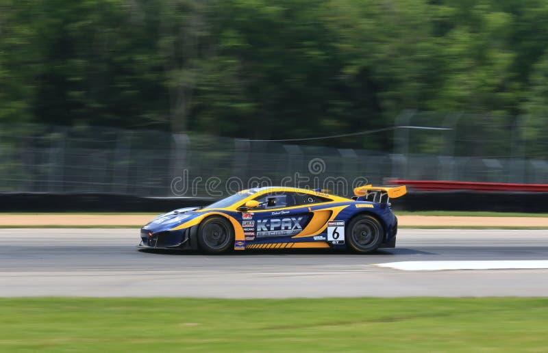 Carro de competência de McLaren GT foto de stock