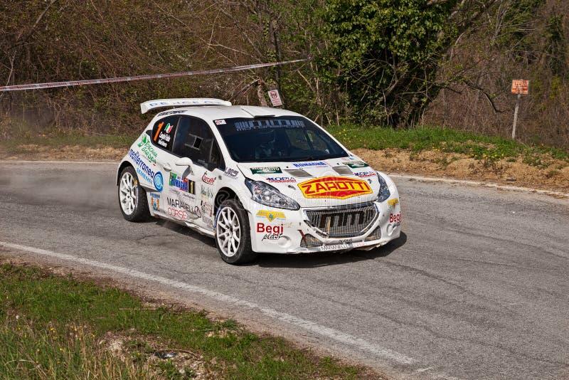 Carro de competência Peugeot 208 T16 que correm no 12o della Romagna da reunião fotos de stock royalty free