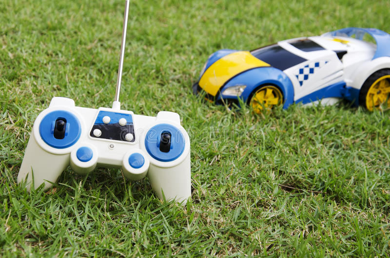 Carro de controle remoto do brinquedo fotos de stock royalty free