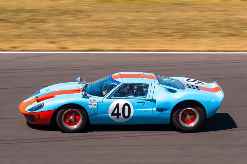Carro de corridas clássico de Ford GT40 imagem de stock royalty free