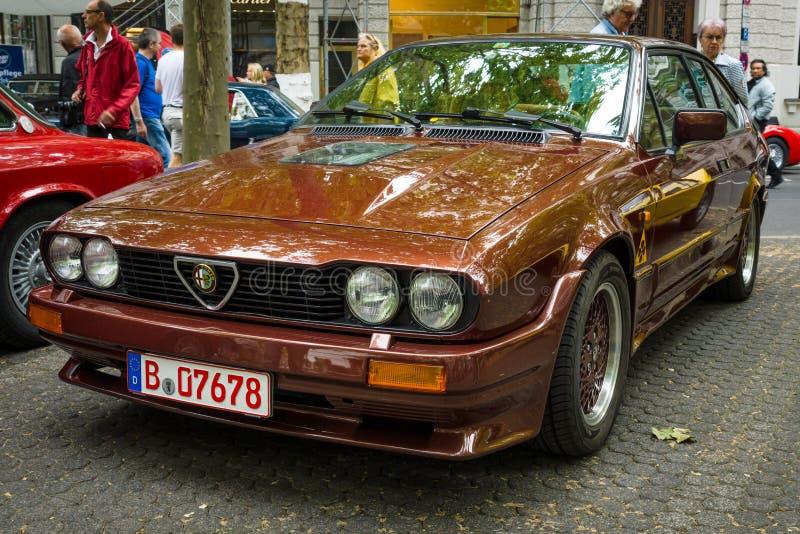 Carro de esportes Alfa Romeo GTV6 imagens de stock