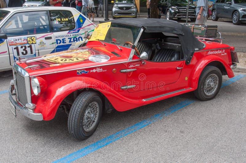 Carro de esportes da autorização do vintage imagem de stock royalty free
