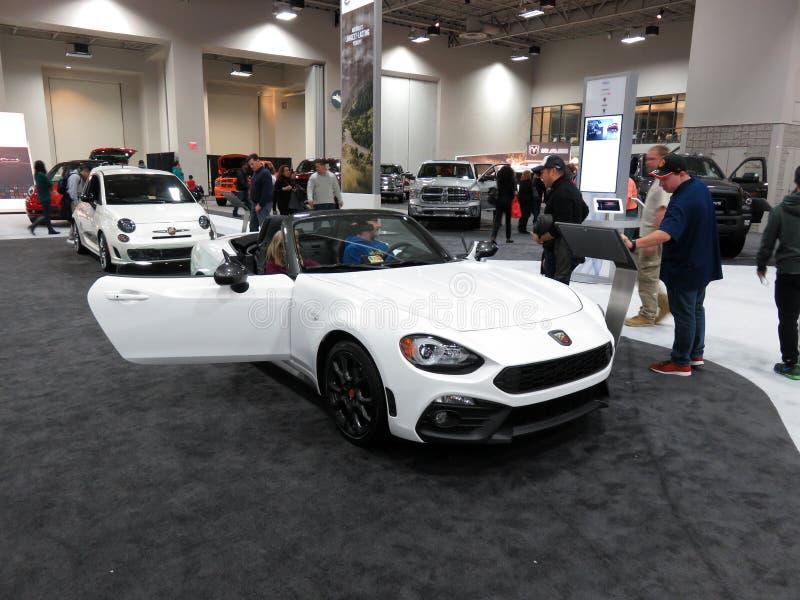 Carro de esportes de Fiat 124 Spyder fotos de stock royalty free