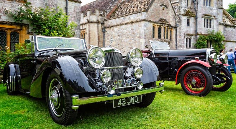 Carro de esportes luxuoso preto de Alvis do vintage fotos de stock royalty free