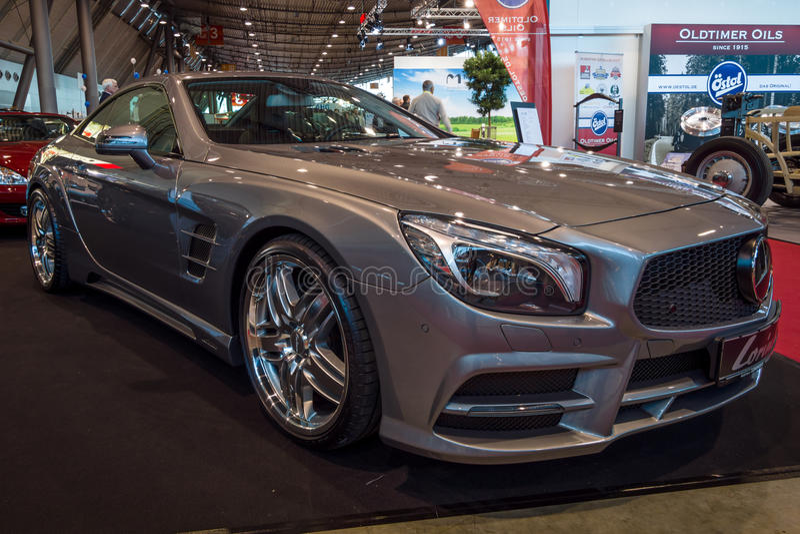 Carro de esportes Mercedes-Benz SL350 R231, 2012 fotografia de stock royalty free