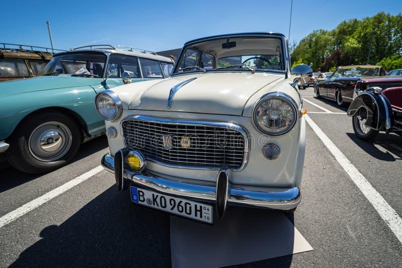 Carro de família pequeno Fiat Granluce 1200 fotos de stock royalty free