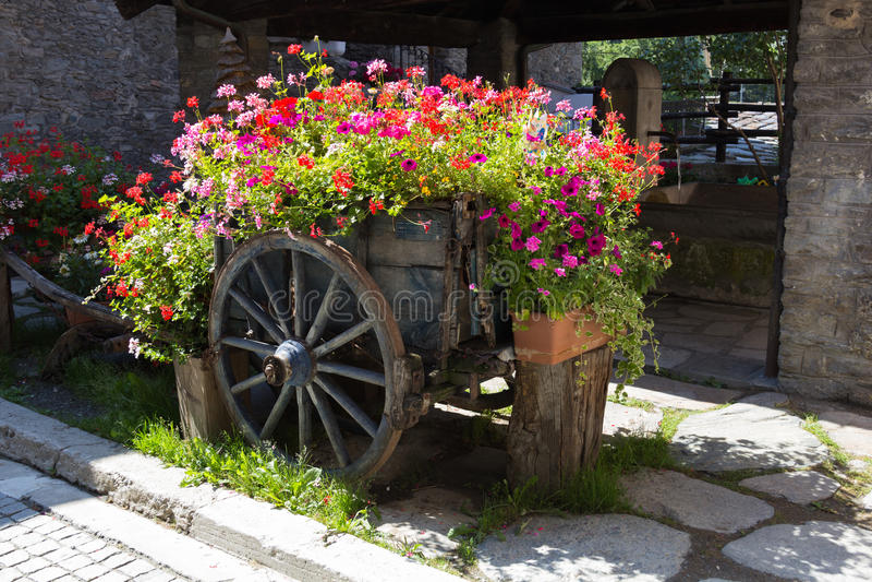 Carro de flores imagen de archivo libre de regalías