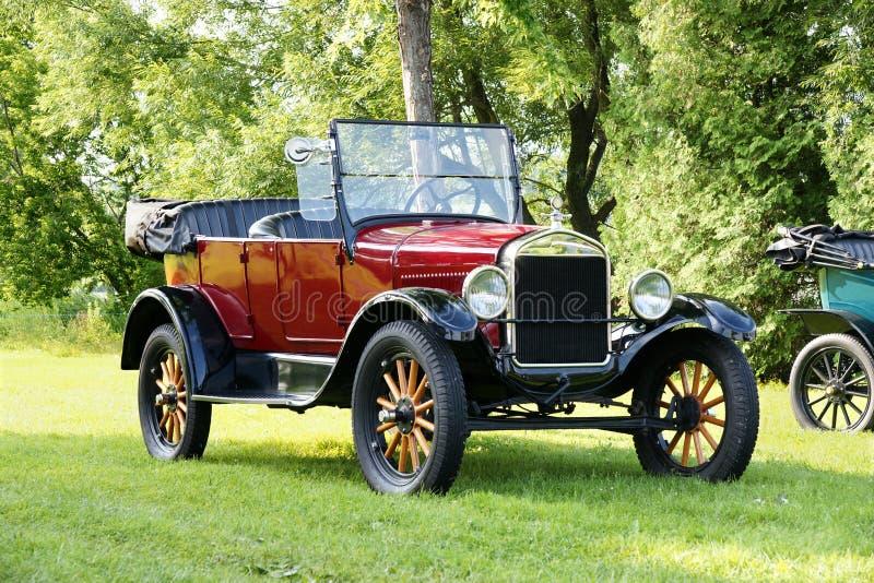 Carro de Ford do vintage fotografia de stock royalty free