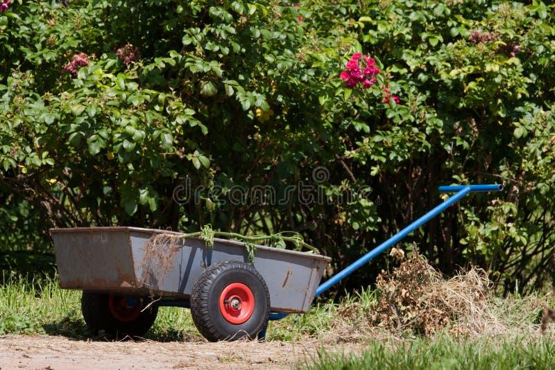Carro de jardim imagens de stock